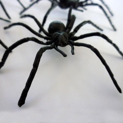 Araignée plastique 5cm