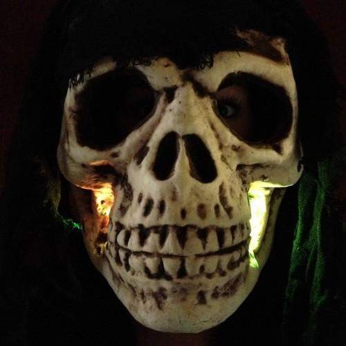 Giant led skull + cape