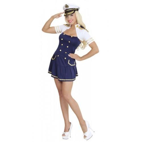 Sexy capitaine de marine
