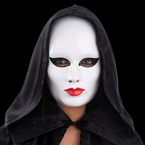 Masque blanc maquillé