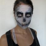 Comment réaliser un maquillage de squelette pour Halloween?