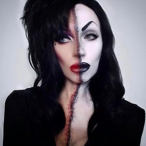 Zoom sur ce fantastique maquillage de Vampire 🧛♀️   Vous aimez ? 🤩  Palette : Paradise Makeup AQ de la marque @mehronmakeup   #mehronmakeup #paradisemakeupaq #makeup #inspirationmakeup